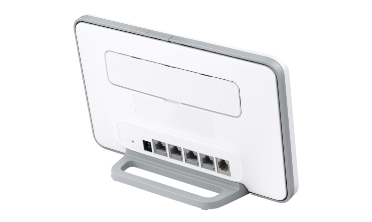 Mobile broadband HomeFi Plus 4G router from Three